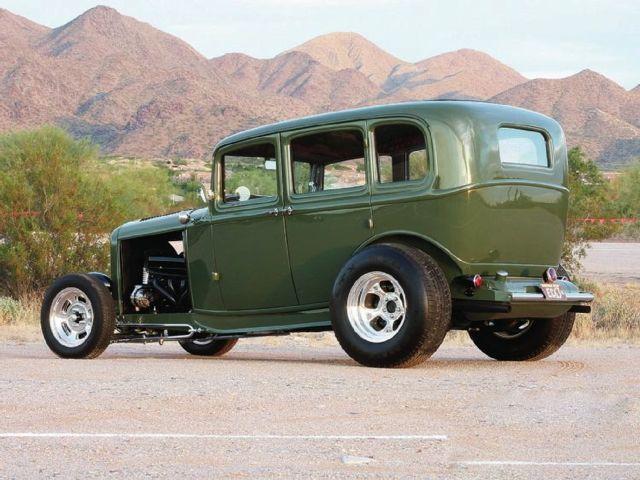 1105sr-01+1932-ford-sedan+left-side