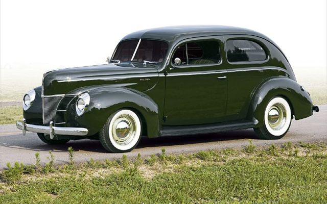 0612sr_01z+1940_ford_tudor_sedan+front_left_view