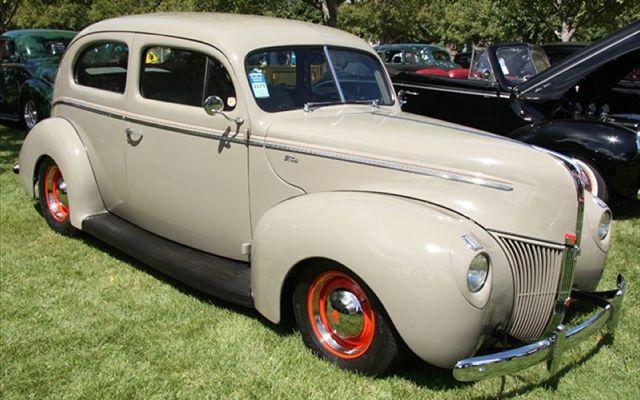 1009sr_34_z+1940_ford_standard_sedan+2010_street_rodder_top_100