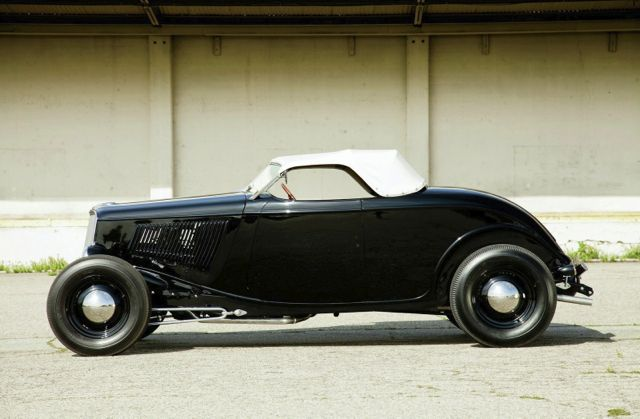 1933-ford-roadster-side-profile
