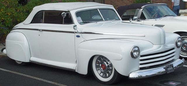 1946-1948-Ford-Convert-Custom-White-le