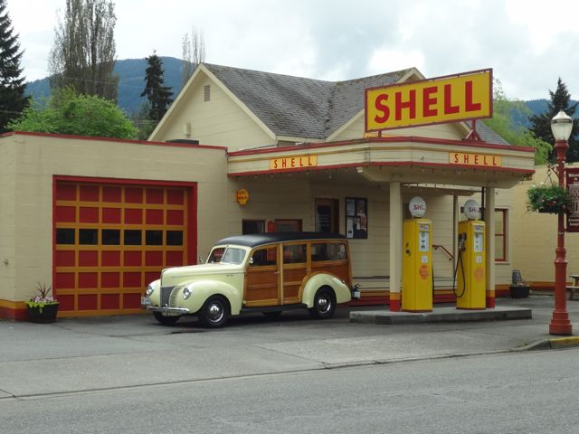 1940 Ford Woody-Shell Station 003