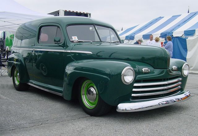 1946 Ford Sedan Delivery-1