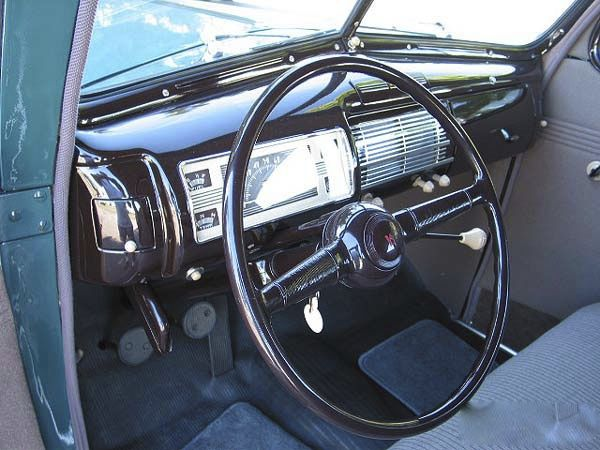 1940-ford-two-door-standard-sedan-restored-exterior-16