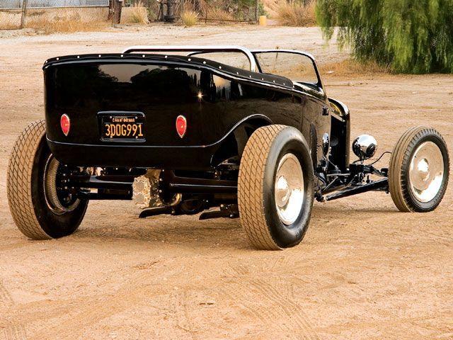 0809sr_07_z-1932_ford_phantom_highboy_phaeton-rear_view