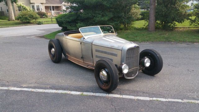 1930-ford-roadster-hot-rod-2