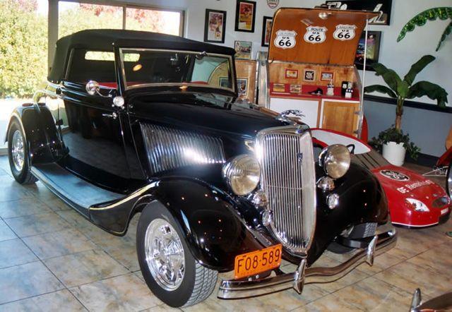 1934_ford_cabriolet_front_side_1